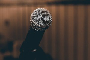 black-microphone-164929